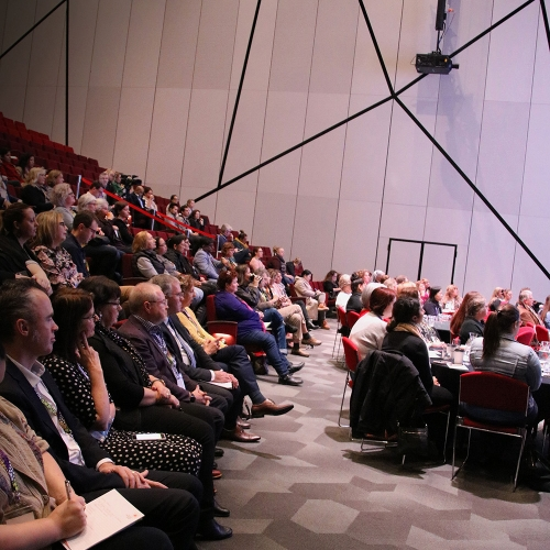 Crowd_Saturday_Plenary